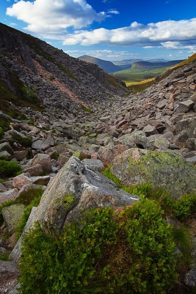 Scotland, Scottish Highlands, Cairngorms National Park. The dramatic landscape of the Chalamain Gap, a mountain pass in the Cairngorms National Park