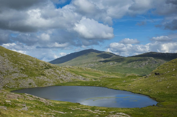 Wales, Gwynedd, Snowdonia National Park. Llyn Teyrn, a small lake near the Miners Track - A popular walking route to the summit of Snowdon