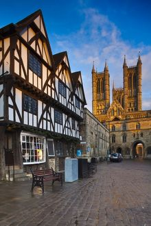 England, Lincolnshire, Lincoln. The historic Bailgate area and Lincoln Cathedral