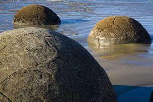 New Zealand, Otago, Moeraki Boulders. The famous spherical Moeraki boulders on the